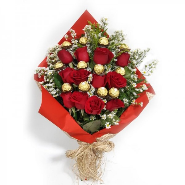 buquê 12 rosas e 12 ferreiro Rocher