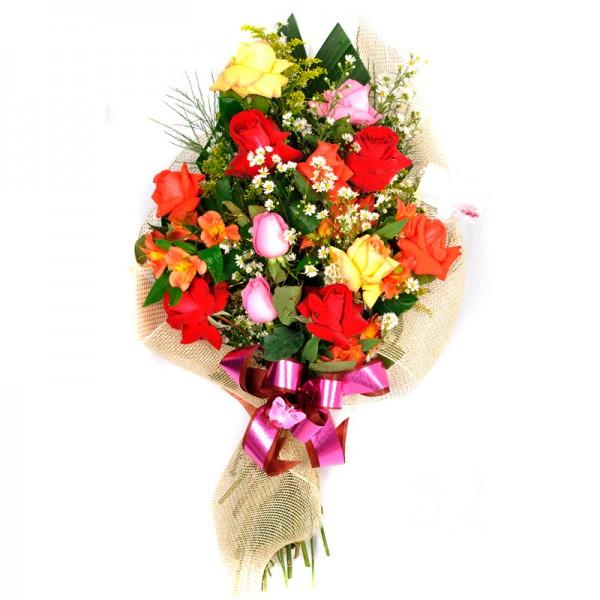 Buquê de Flores Natureza Chique com 12 Rosas